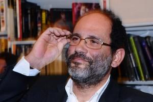 Sorride Antonio Ingroia, leader di quella Rivoluzione civile che ha escluso i calabresi dalle liste In Calabria per Camera e Senato.