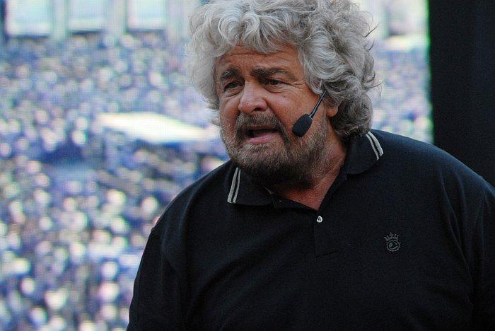 Oggi Beppe Grillo a Catanzaro, alle 17. Alle 21, invece, in piazza a Reggio Calabria.