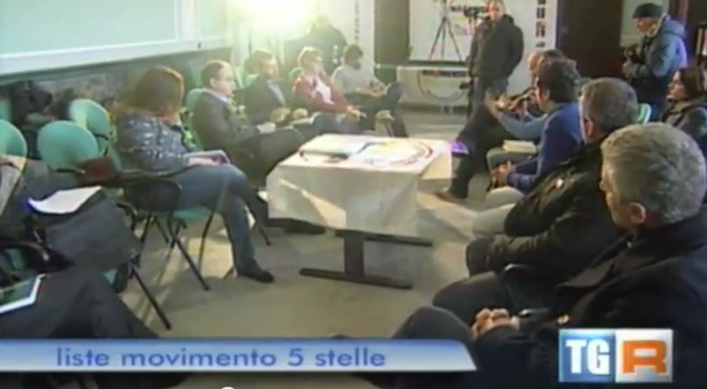 Un momento della presentazione delle liste Cinque Stelle in Calabria per Camera e Senato.