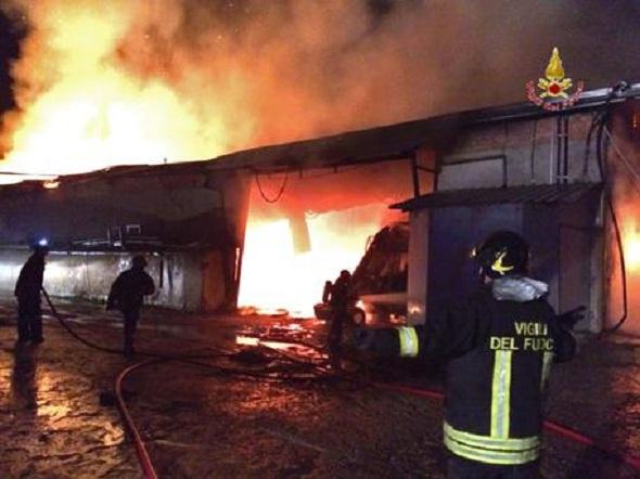 Incendi: a fuoco azienda agricola di Jesi