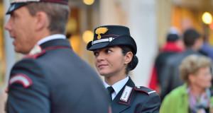 Arma_dei_Carabinieri_female_officer